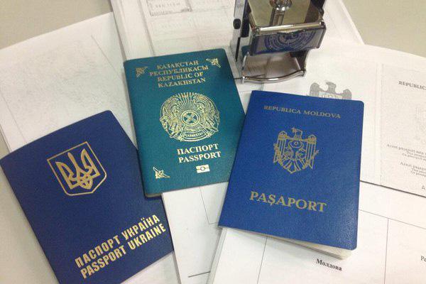 Закон о мигрантах: кто должен ставить иностранцев на миграционный учет?