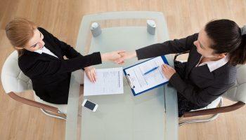 Куда, когда и как отправлять трудовой договор с иностранным сотрудником?