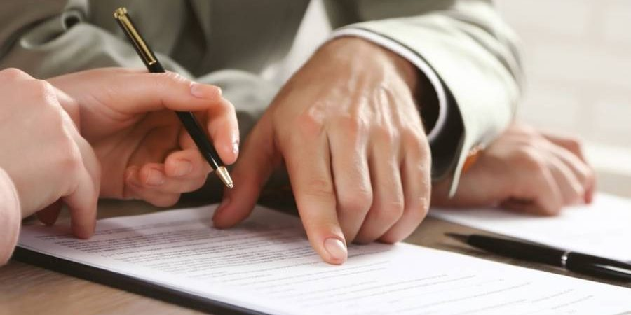 Тонкости оформления трудового договора с иностранцем в 2021 году
