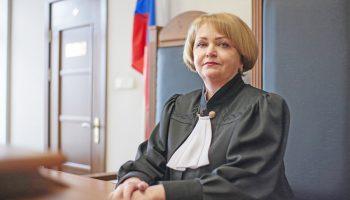 На 14 дней суд заморозил деятельность ИП, нанявшего нелегального мигранта